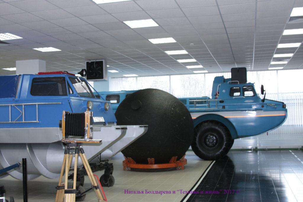 ЗИЛ-49065 и шнекоход ЗИЛ-29061